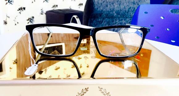 49ff4509686 01 Armação de Óculos Valentin na Ótica Paraíso! - Ofertas em ...