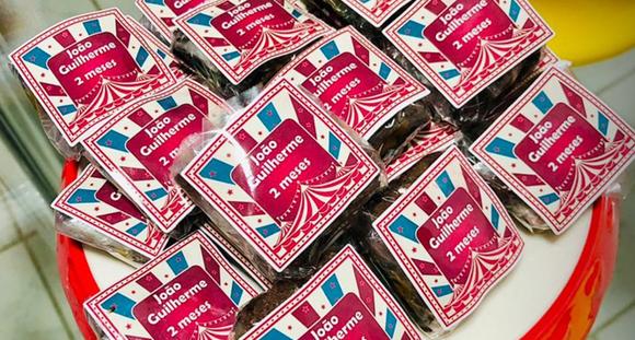 50 Doces Tradicionais + 50 Doces Especiais + 10 Pirulitos + 10 Mini Brownies