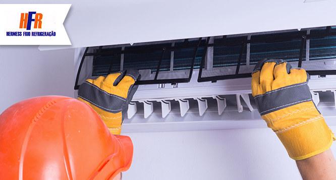 Limpeza preventiva de Split (até 22.000 btus) na Hermess Frio Refrigeração